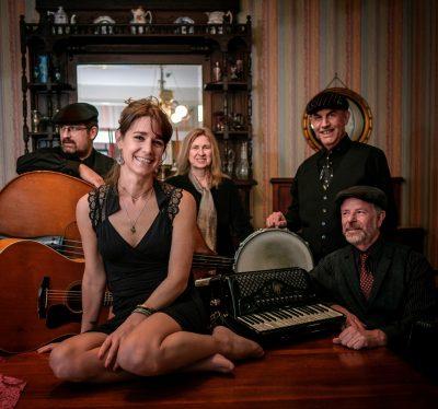 Romantic Parisian music at Willits Community Theatre with SonoMusette