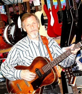 Jim Williams Plays at Blue Wing Sunday Brunch