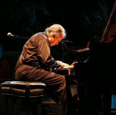 Pianist TOM GANOUNG at Blue Wing Sunday Brunch - C...