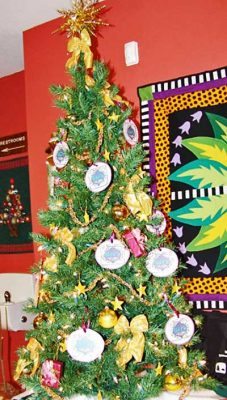 GUALALA ARTS CENTER ANNUAL CHRISTMAS TREE COMPETIT...